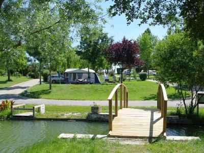 Vacances en camping et camping car dans le lot et garonne for Camping lot et garonne avec piscine